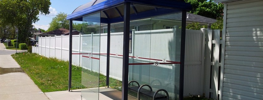 bus-stop-112203_960_720